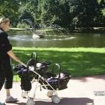 voor het eerst naar buiten op naar het weizigtpark de speeltuin graag 22-08-2004