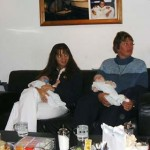 Bruce zijn jufs op kraam visite 05-10-2004
