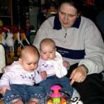 Leker samen spelen met de tol 05-02-2005
