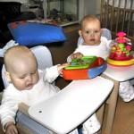 ha onze nieuwe stoeltjes spelen maar 28-03-2005