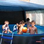 in het zwembad 30-07-2008
