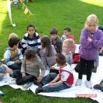 Met school naar de kaasboerderij in Streefkerk 27-04-2010