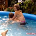 In het zwembad 16-08-2008