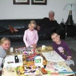 Kimbery en isabella en fabiene bij oma en opa busink 27-10-2010