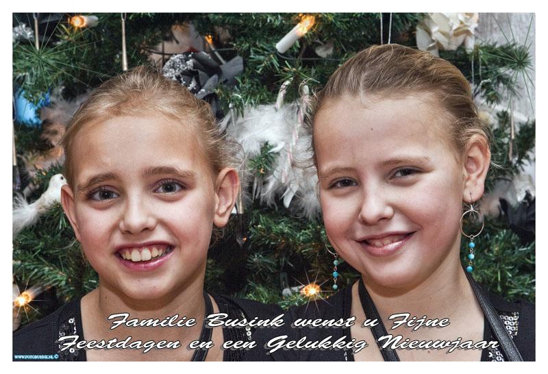 FOTOOPDRACHT:Dordrecht:19-12-2013: Kerstkaart foto's Kimberly en Isabella Busink Deze digitale foto blijft eigendom van FOTOPERSBURO BUSINK. Wij hanteren de voorwaarden van het N.V.F. en N.V.J. Gebruik van deze foto impliceert dat u bekend bent  en akkoord gaat met deze voorwaarden bij publicatie. EB/ETIENNE BUSINK
